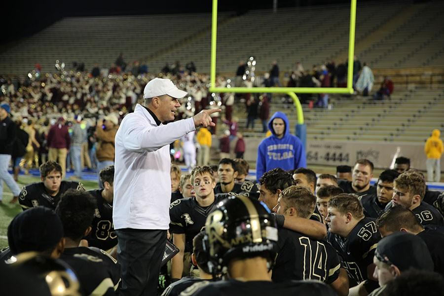 Coach+David+Alexander+addresses+the+team+after+the+loss+to+Jenks+in+the+state+championship.