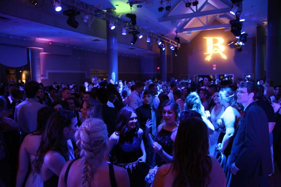 BAHS 2016 Prom gives seniors one last dance