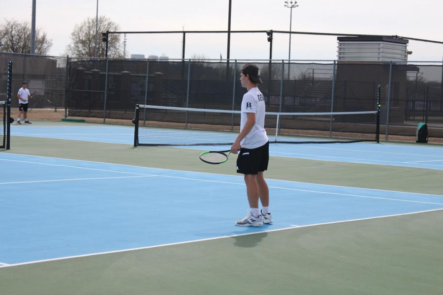 Tennis+Boys+Are+Looking+to+Serve+the+Competition+this+Season