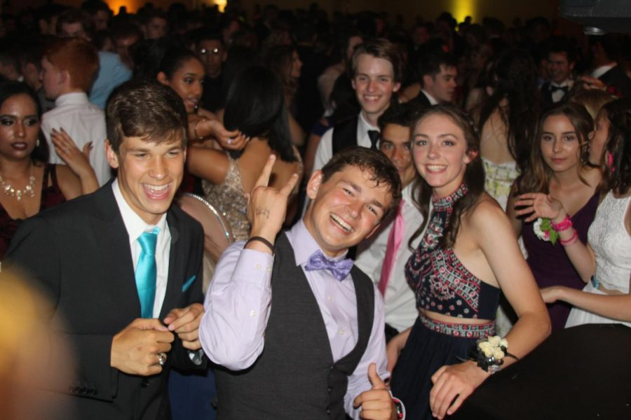 Senior+Jacob+Carden+enjoys+the+dance+floor+with+his+classmates+at+Prom+2017.