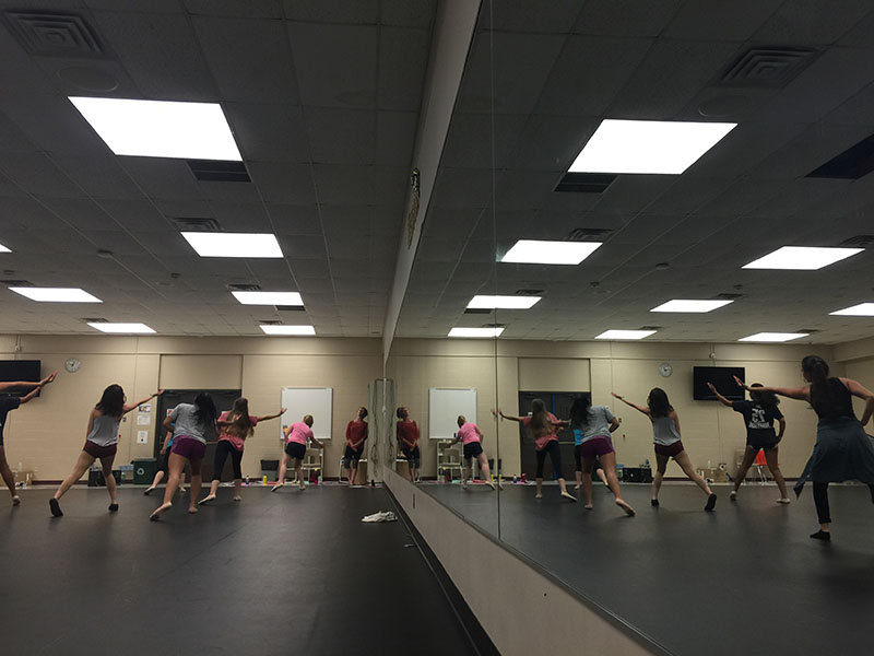 Dance+students+rehearse+a+piece.