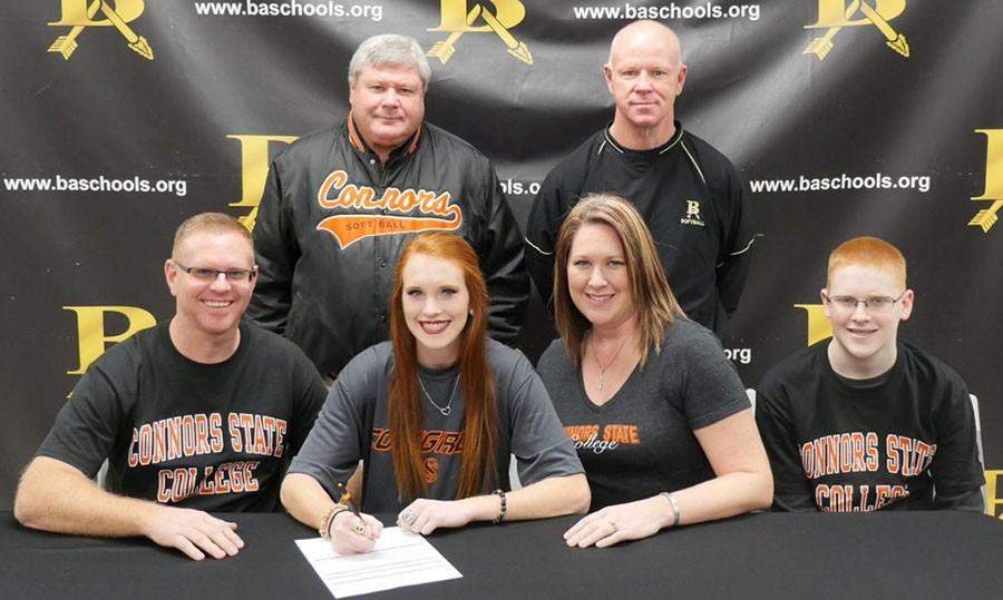 Senior+Alyssa+Stephens++signed+early+with+Connors+State+to+play+softball.+