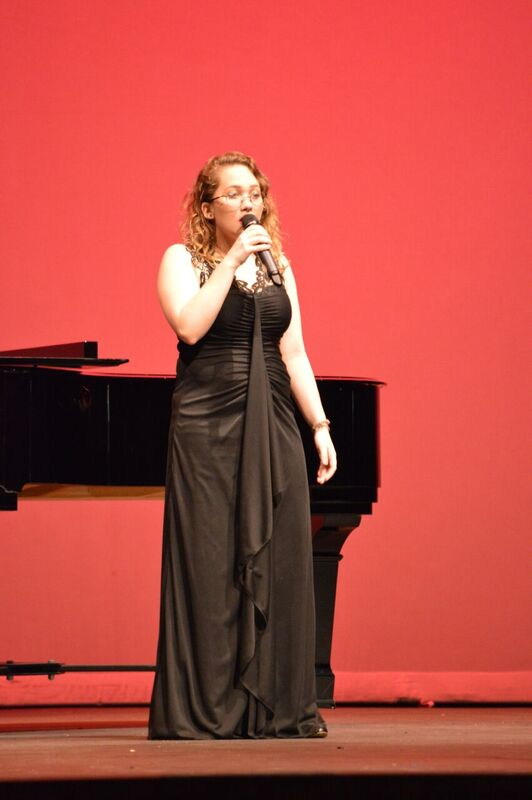 Sophomore+Emma+Cornell+sings+%22Toxic%22+by+Britney+Spears+in+the+talent+show.