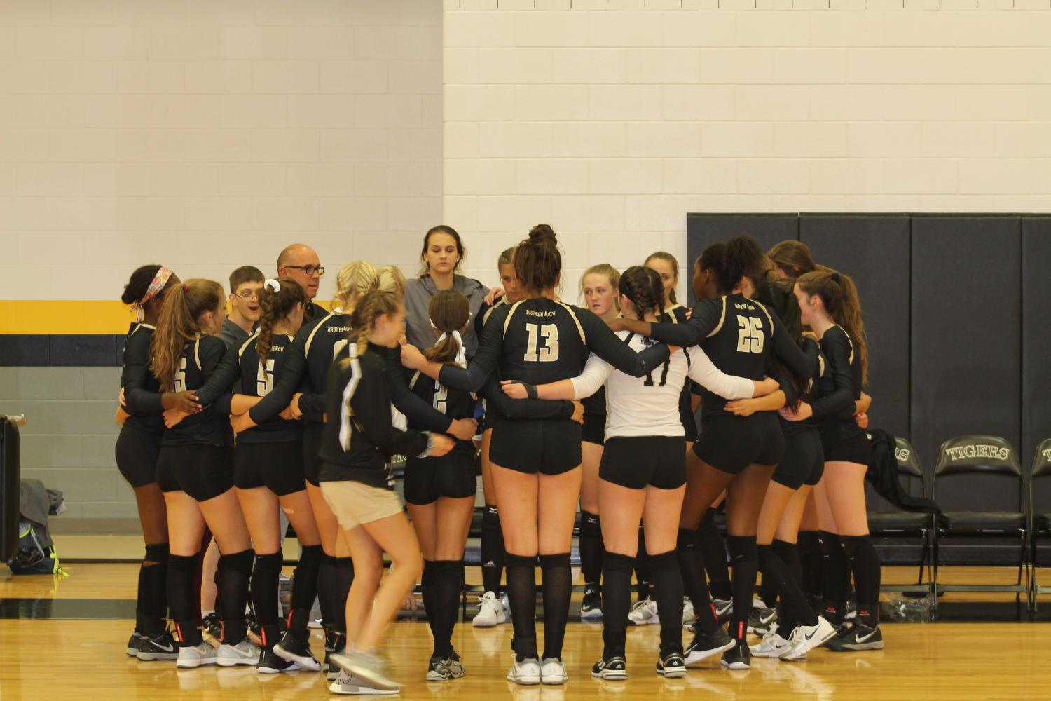 Broken Arrow volleyball gets ready for a big game against Ponca City.