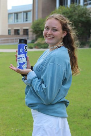 Junior Analyse Jester poses with her Hydroflask.